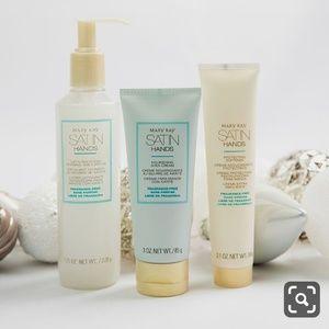 Mary Kay Satin Hands Set - Fragrance Free